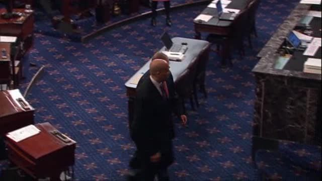 News video: Raw: Booker Sworn in to Senate